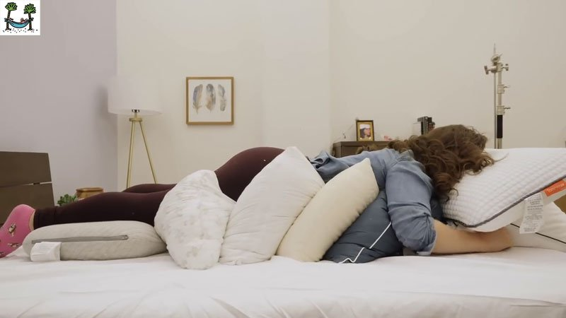 HOW SHOULD PILLOWS BE FOR THOSE WHO SLEEP MOUTH DOWN
